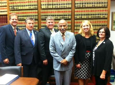 Credit Union Advocates meet with Rep. John Conyers at the CUNA GAC